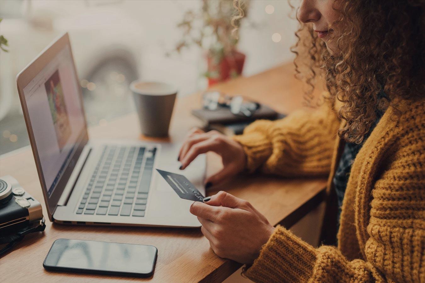 Vous envisagez de construire une boutique en ligne ? Les règles du e-commerce à la Réunion